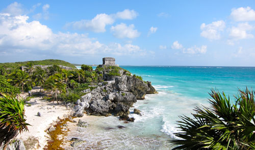 Another shot of Tulum ruins and the Carribean Sea.